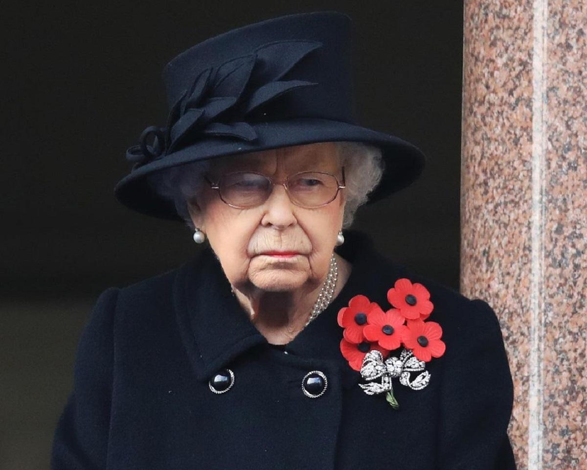 Rainha Elizabeth e a realeza britânica deveriam se desculpar com Meghan Markle