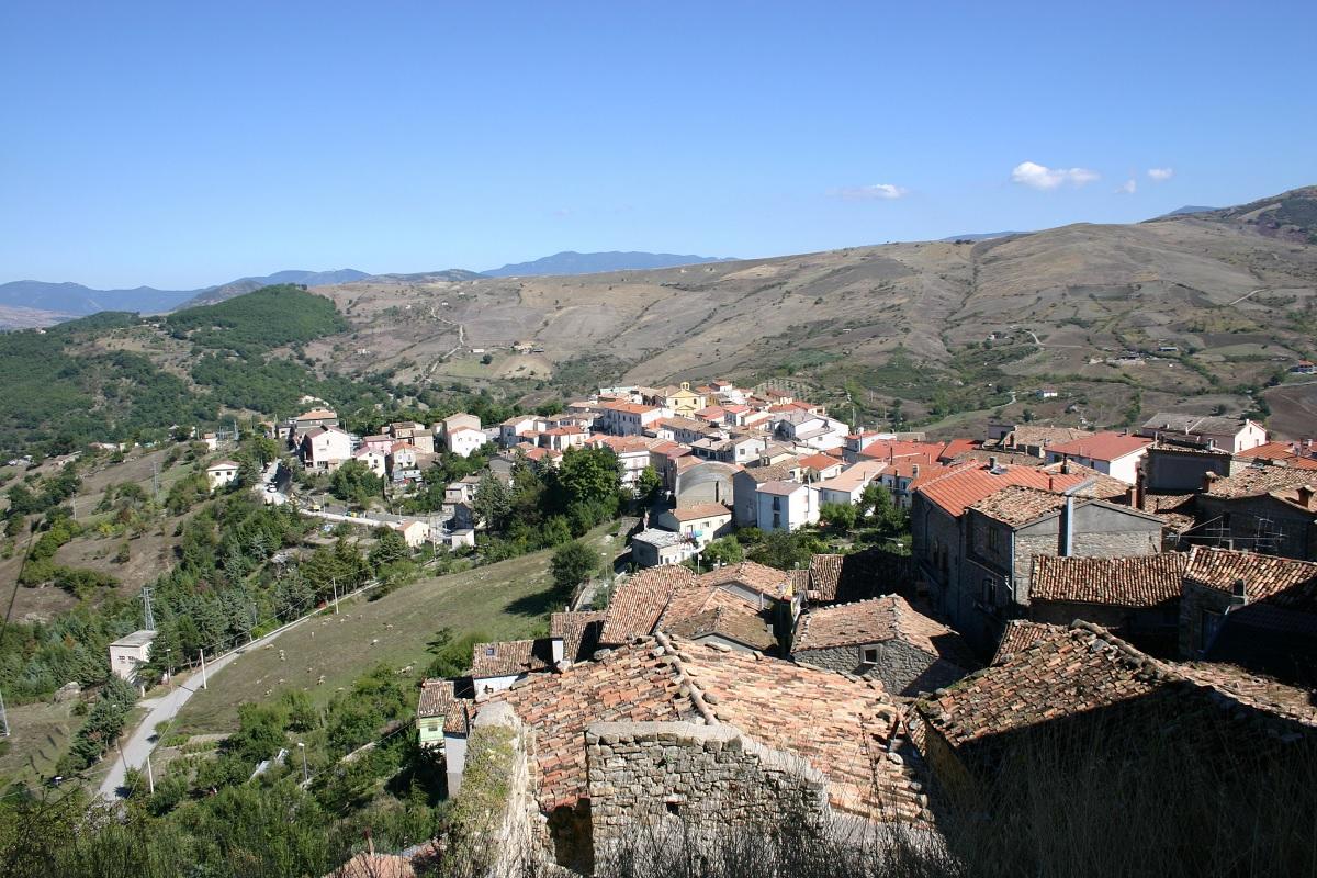 Cidade da Itália vende casas históricas por um euro