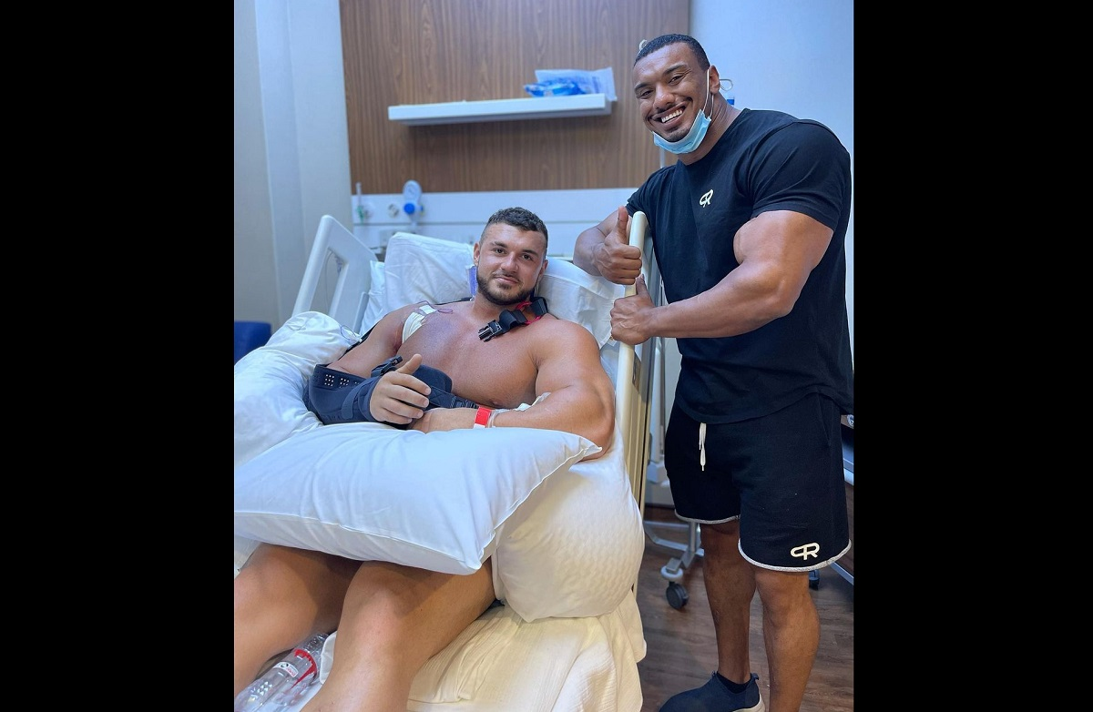 Fisiculturista rompe músculo do peito em levantamento de peso