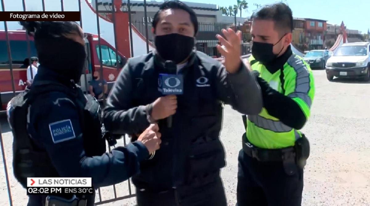 Repórter da Televisa é preso durante reportagem ao vivo