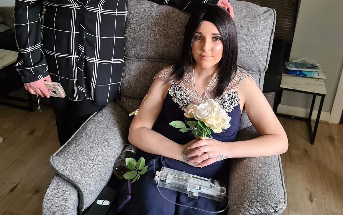 Mulher diagnosticada com menopausa precoce morre de câncer de colo de útero