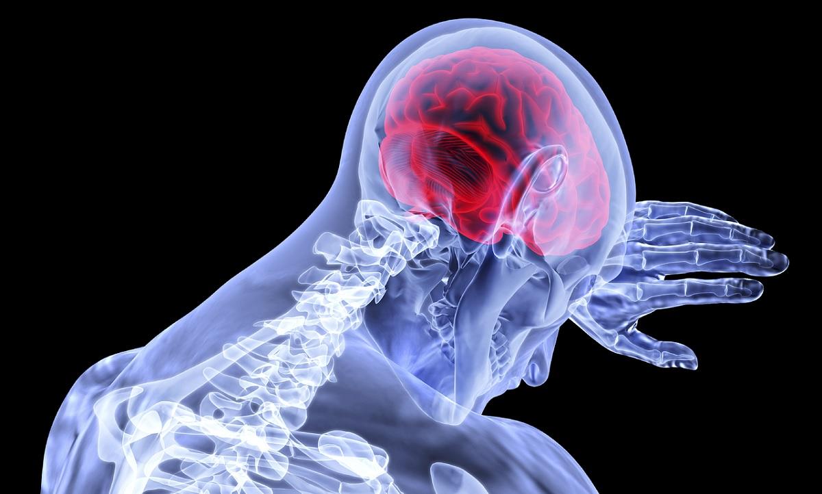 Risco de coágulo no cérebro é maior em quem teve covid-19 do que nos vacinados