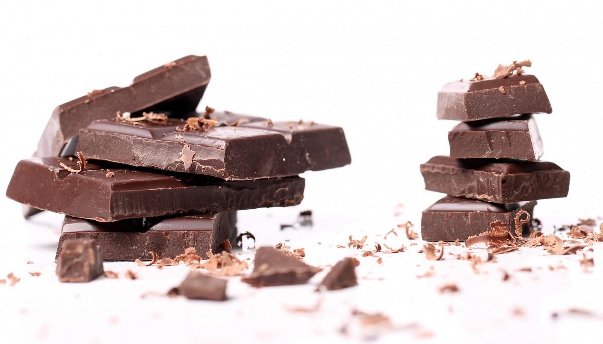 Chocolate com alto teor de cacau pode ajudar o coração contra o estresse