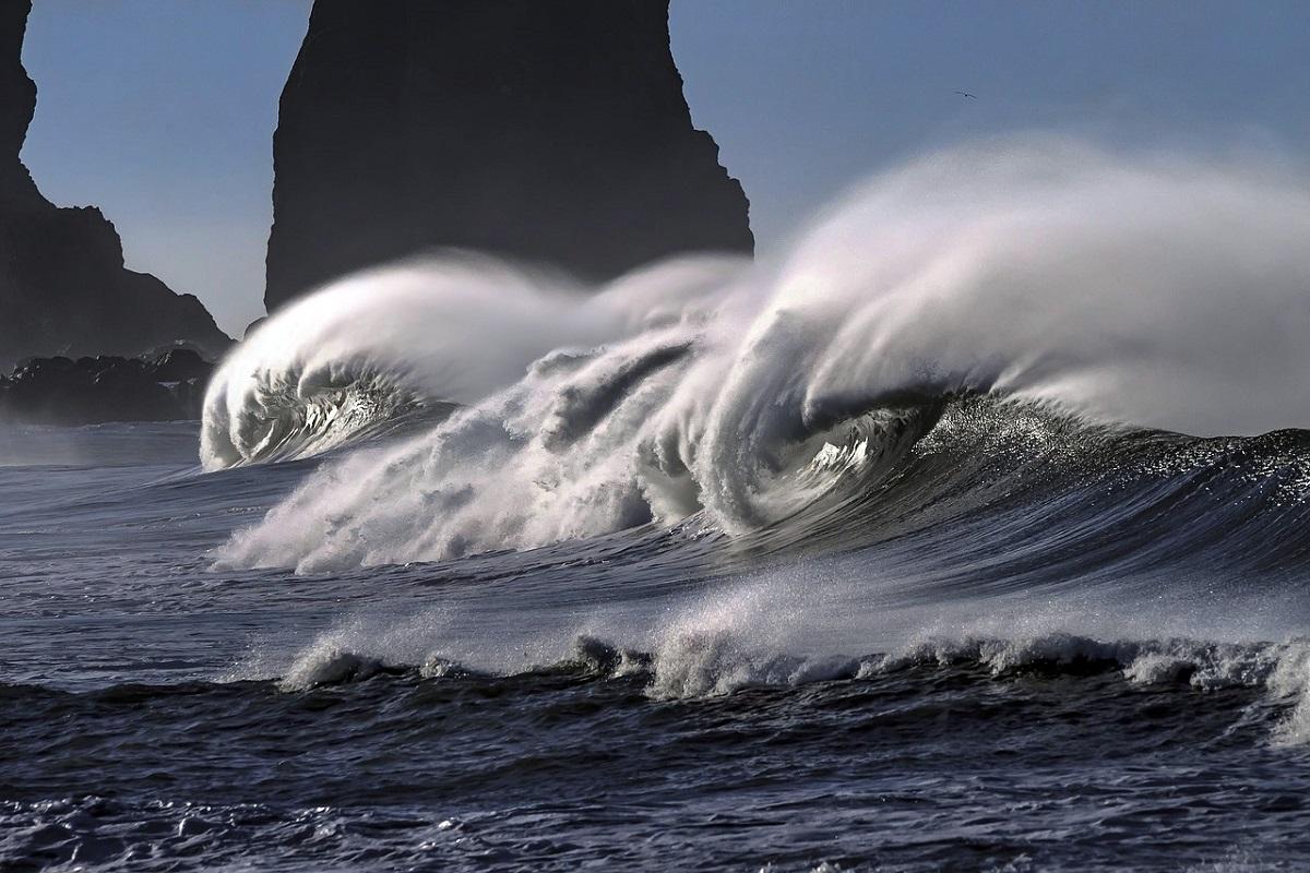 Aquecimento global está causando ondas mais fortes, alerta Fórum Econômico Mundial