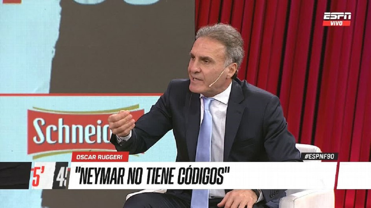 """Neymar não """"respeita"""" os adversários, diz ex-zagueiro da Seleção Argentina"""