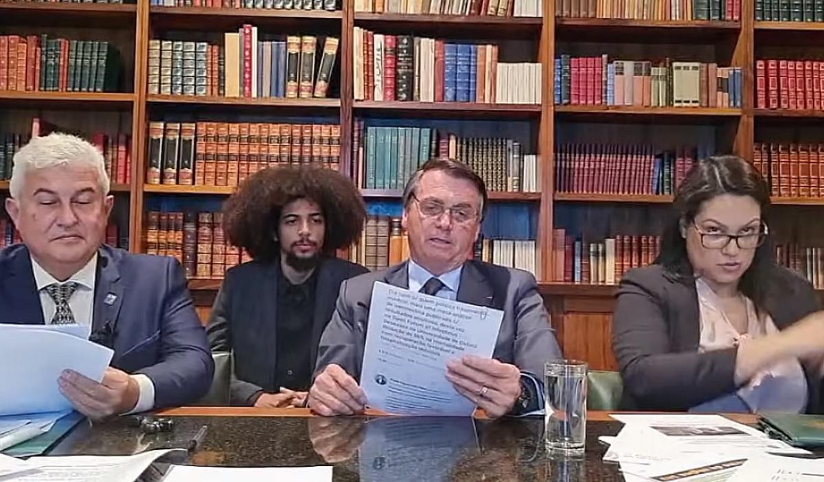 Bolsonaro usa informação não sustentada sobre eficácia de 56% da ivermectina contra covid-19