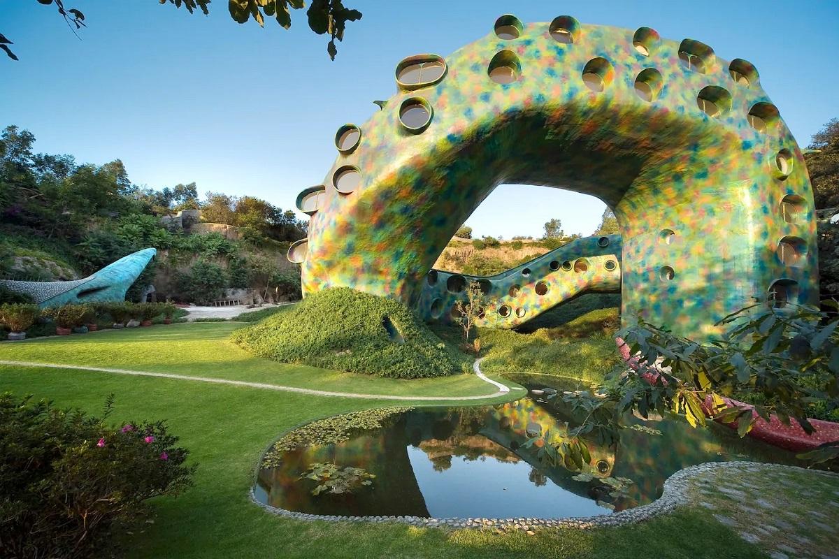 Conheça o condomínio em forma de serpente das férias de Dua Lipa no México