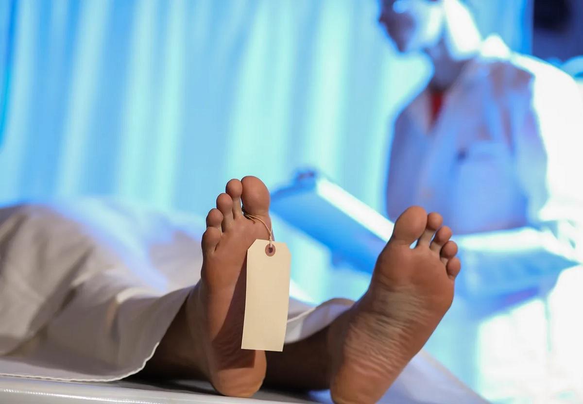 Jovem encontra corpo de amigo em aula de anatomia na Nigéria