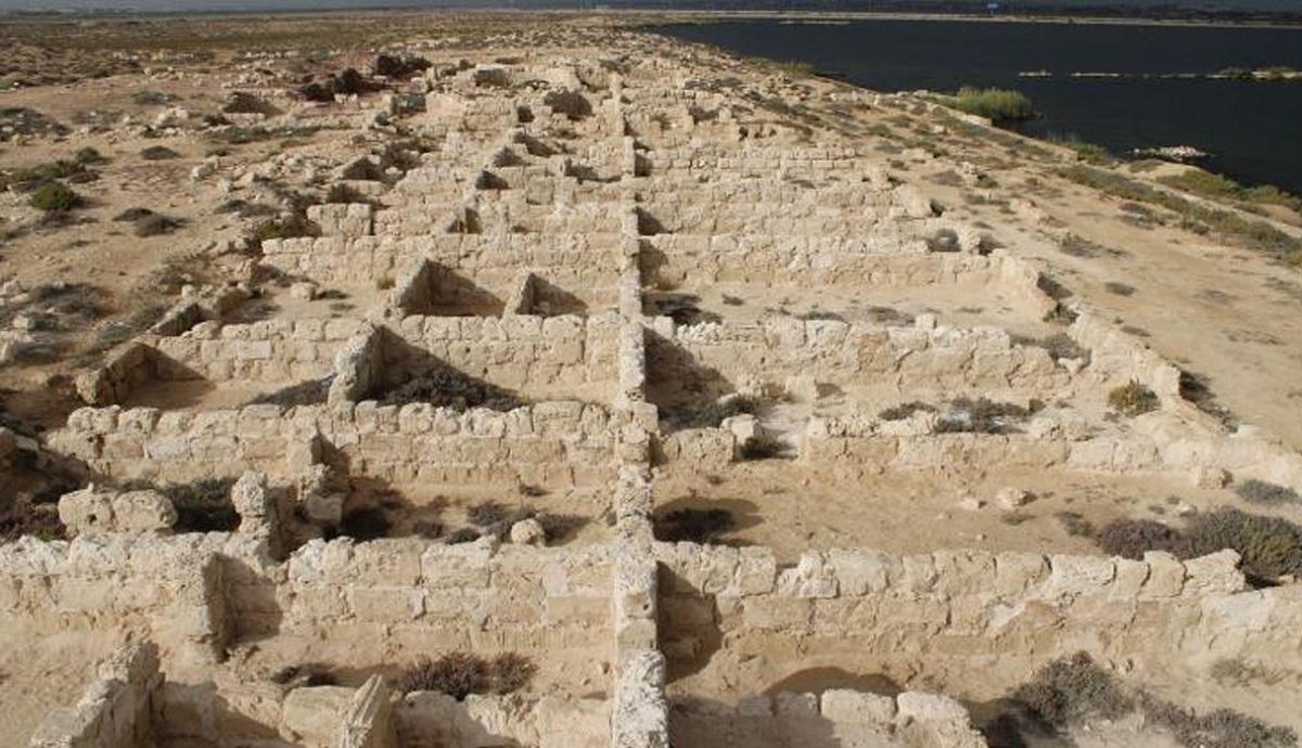 Arqueólogos descobrem cidade planejada do século VI no Egito