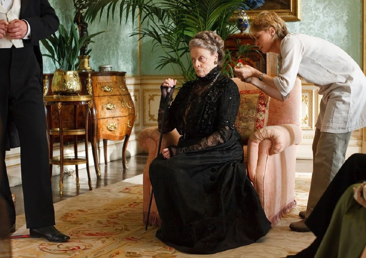 Personagem de Maggie Smith morrerá na sequência do filme Downton Abbey?