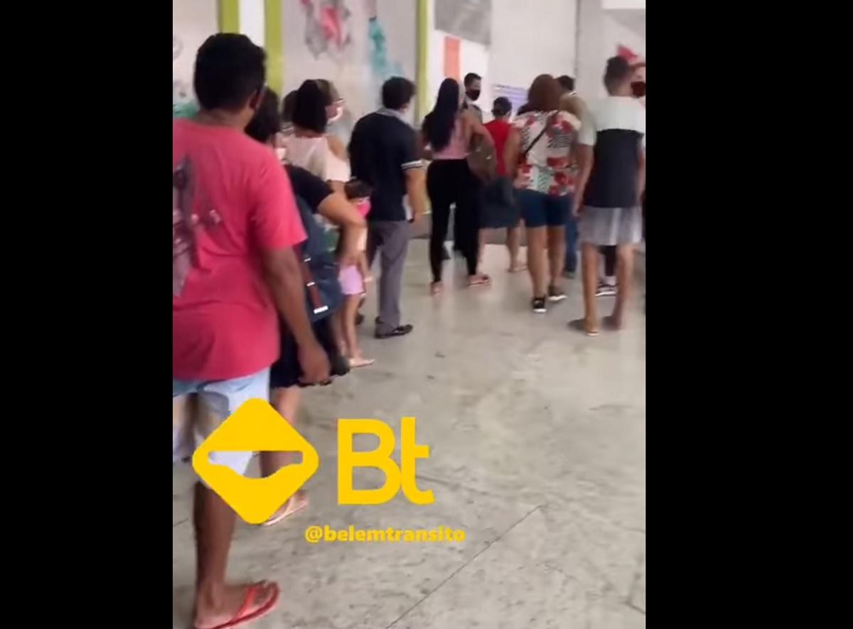 VÍDEO: aglomeração em shopping de Belém para comprar celular por R$ 0,99