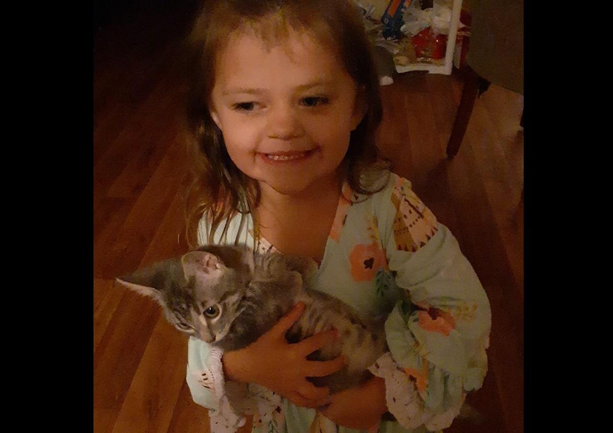 EUA: menina de 4 anos morre de covid-19 logo após os primeiros sintomas