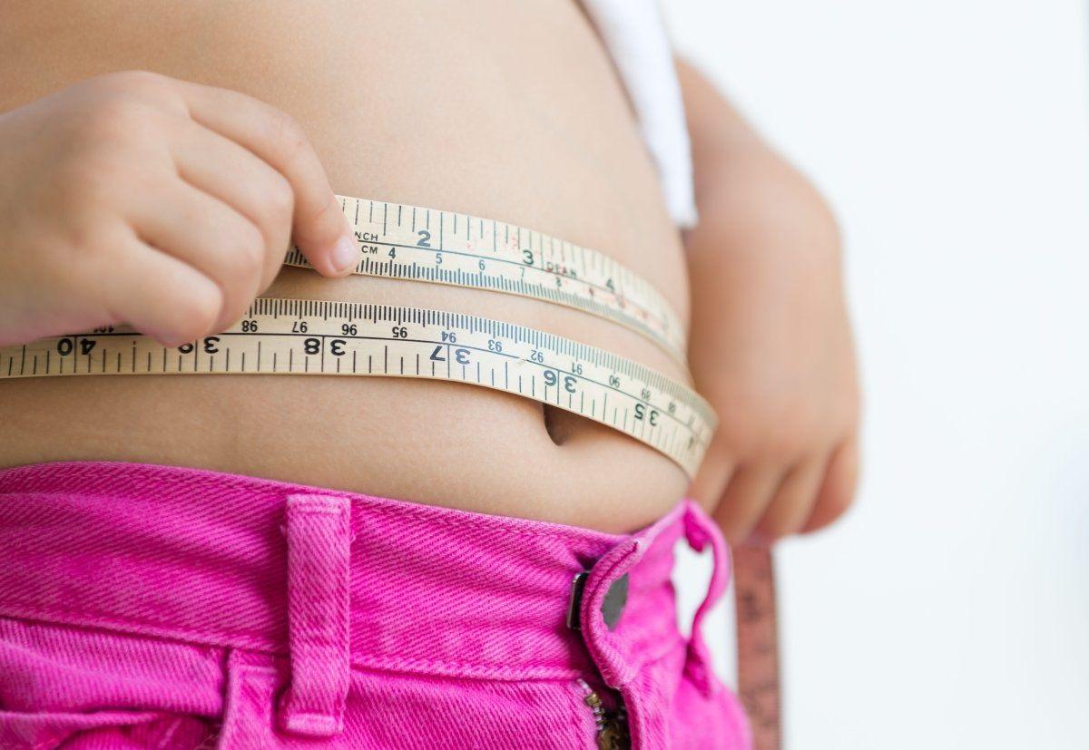 30% das crianças e adolescentes latinas estão com sobrepeso, diz Unicef