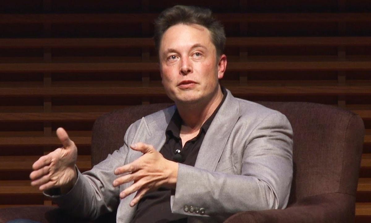 Elon Musk fala sobre existência de óvnis e agita o Twitter