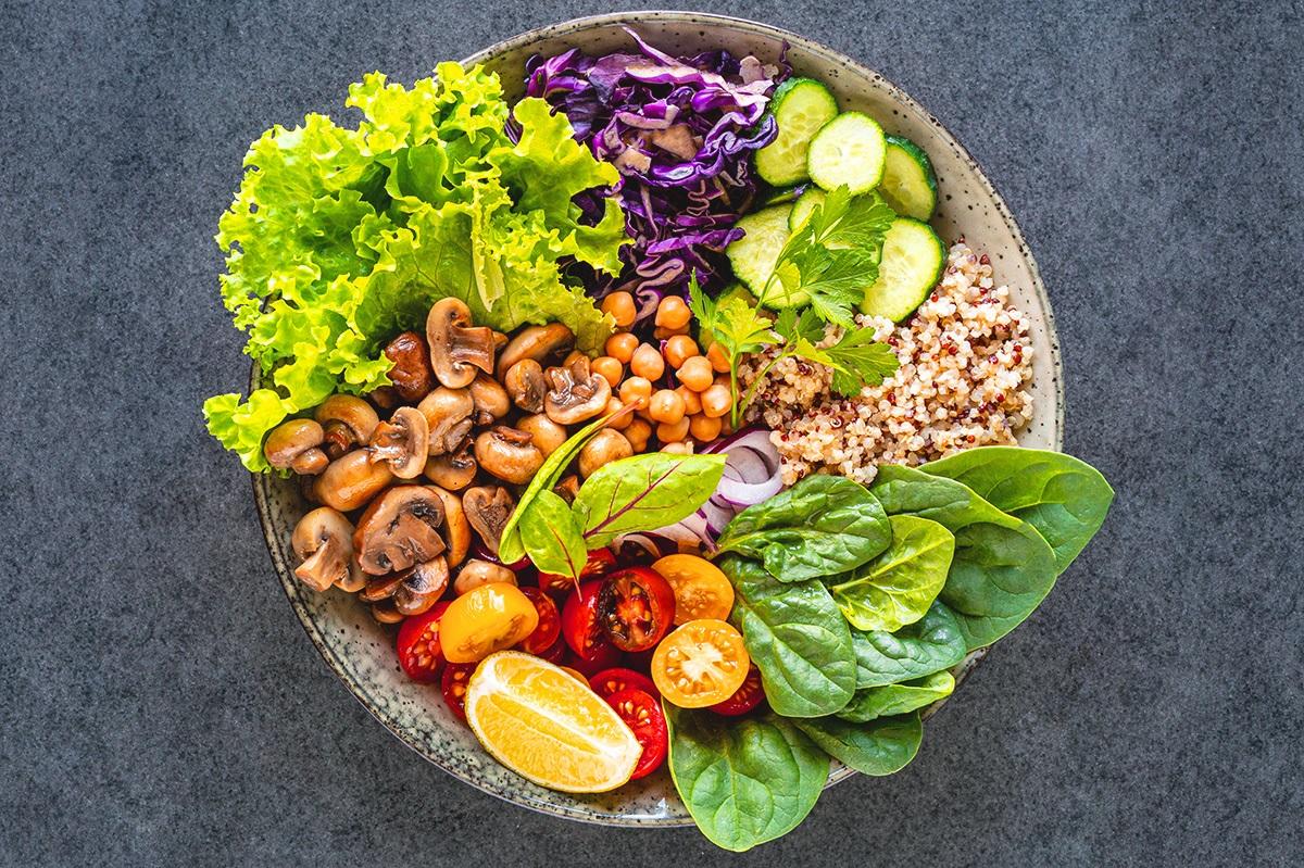 Dieta MIND pode evitar demência em idosos, segundo estudo
